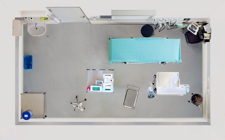 Untitled (Operating Room) 2008, 80 x 129 cm (32 x 51 in.)